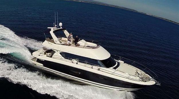 location de bateau ou yacht de luxe avec skipper à marseille